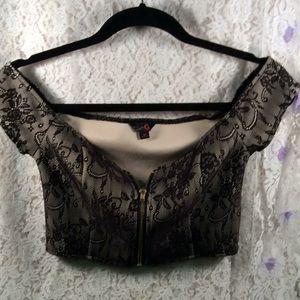 Adorable cream & black lace Guess crop top